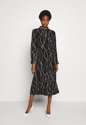 CHAIN PRINT PLEATED MIDI SHIRT DRESS - Maxi dress - black