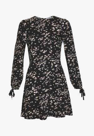 DAISY FLIPPY DRESS - Vestito estivo - black