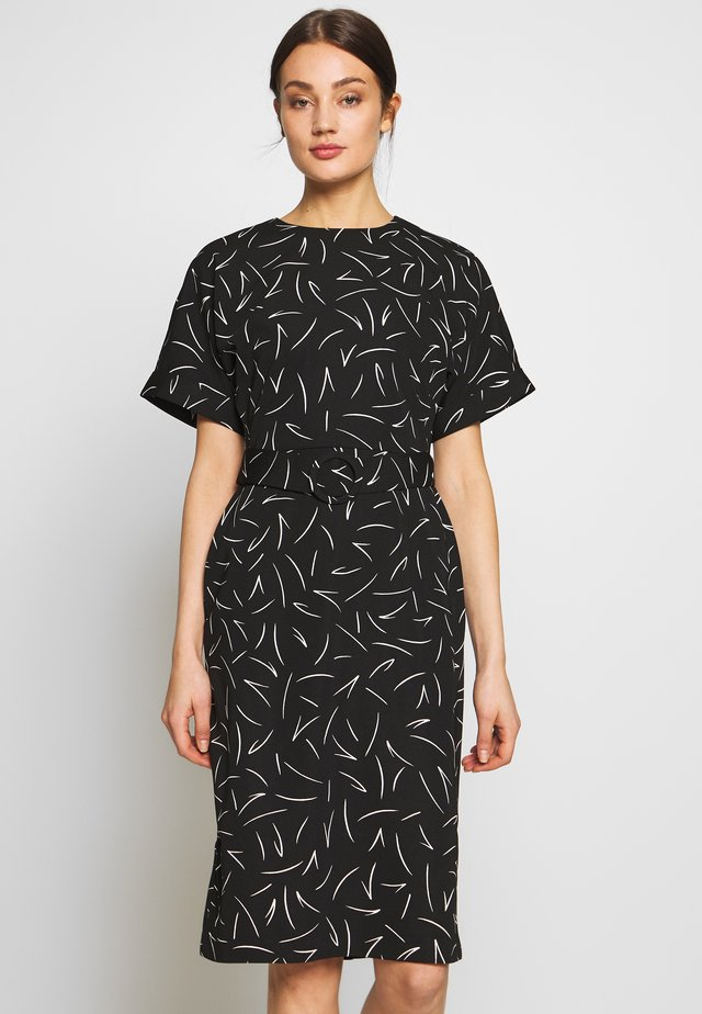 LINEAR PRINT SOFT SHIFT DRESS - Korte jurk - black