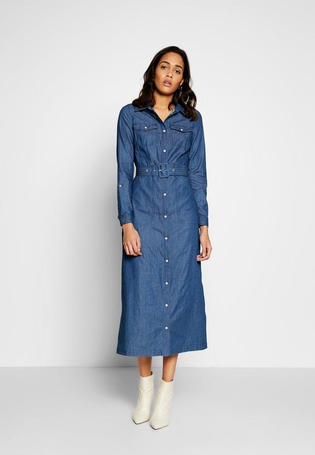 BUCKLE DETAIL DRESS - Spijkerjurk - dark wash