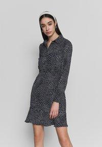 Warehouse - KIKA MOVEMENT MINI DRESS - Shirt dress - black - 0