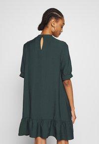 Warehouse - BUBBLE SLEEVE FRILL HEM DRESS - Kjole - dark green - 2