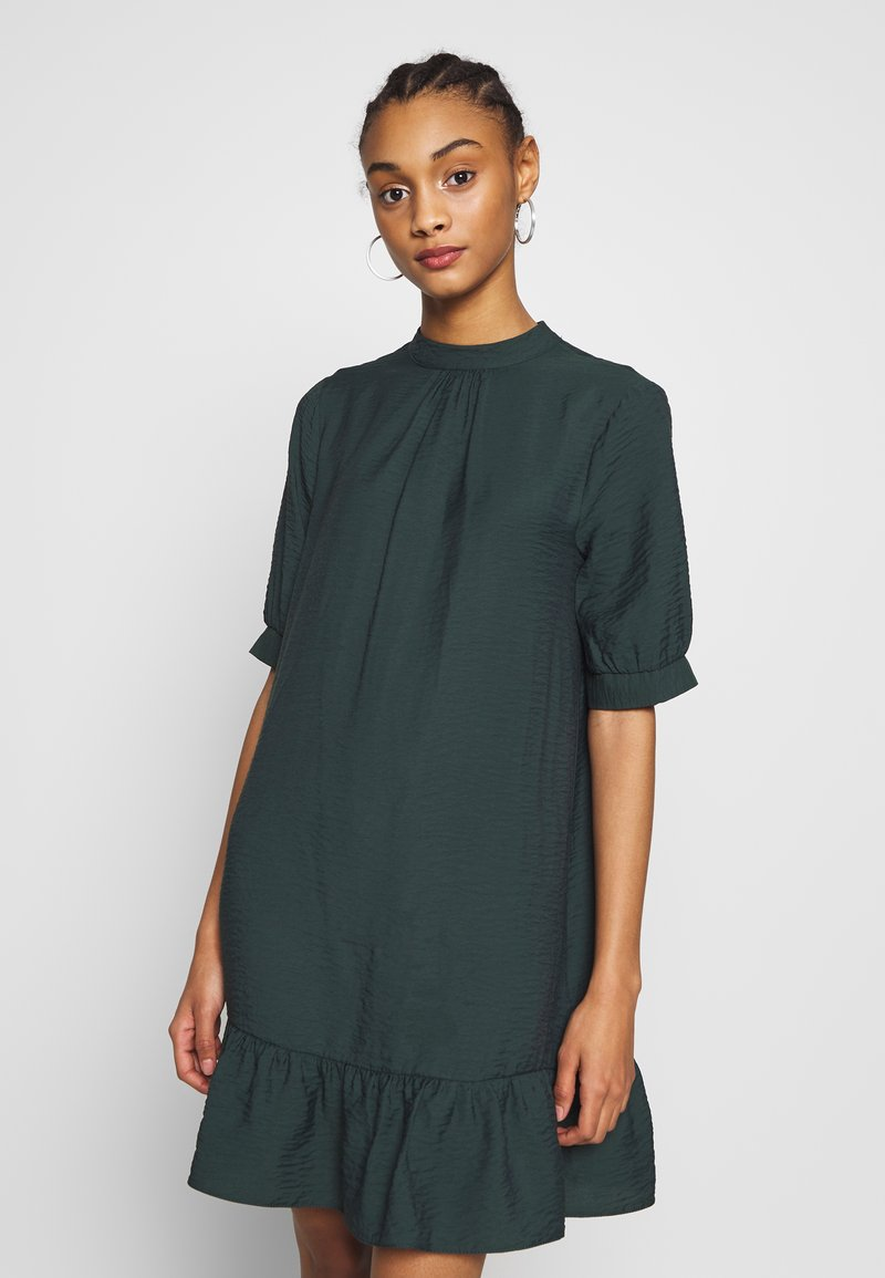 Warehouse - BUBBLE SLEEVE FRILL HEM DRESS - Kjole - dark green
