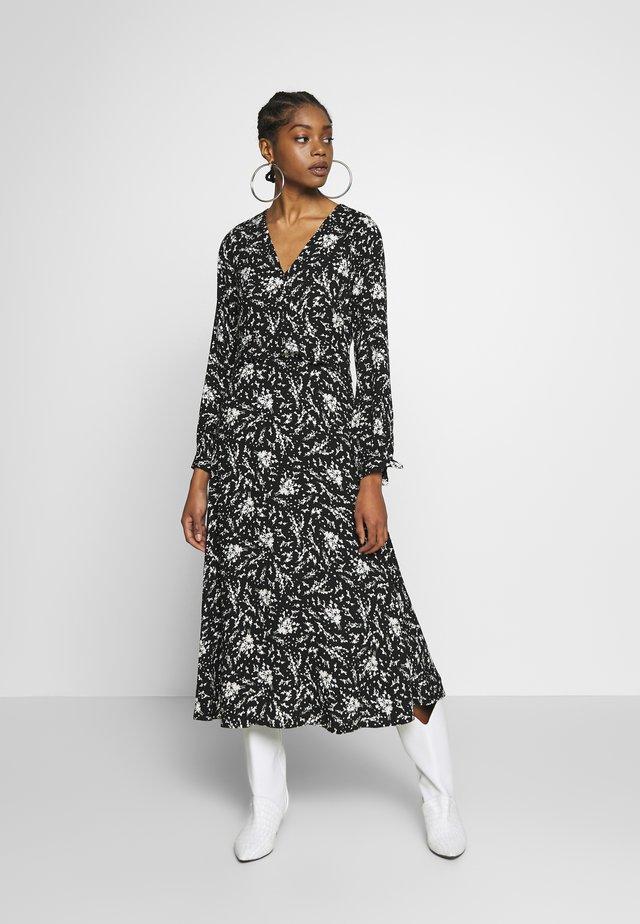 SPRIG FLORAL - Maxi šaty - black