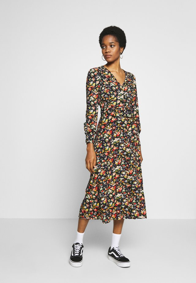FLORAL MIDI BELTED DRESS - Freizeitkleid - multi