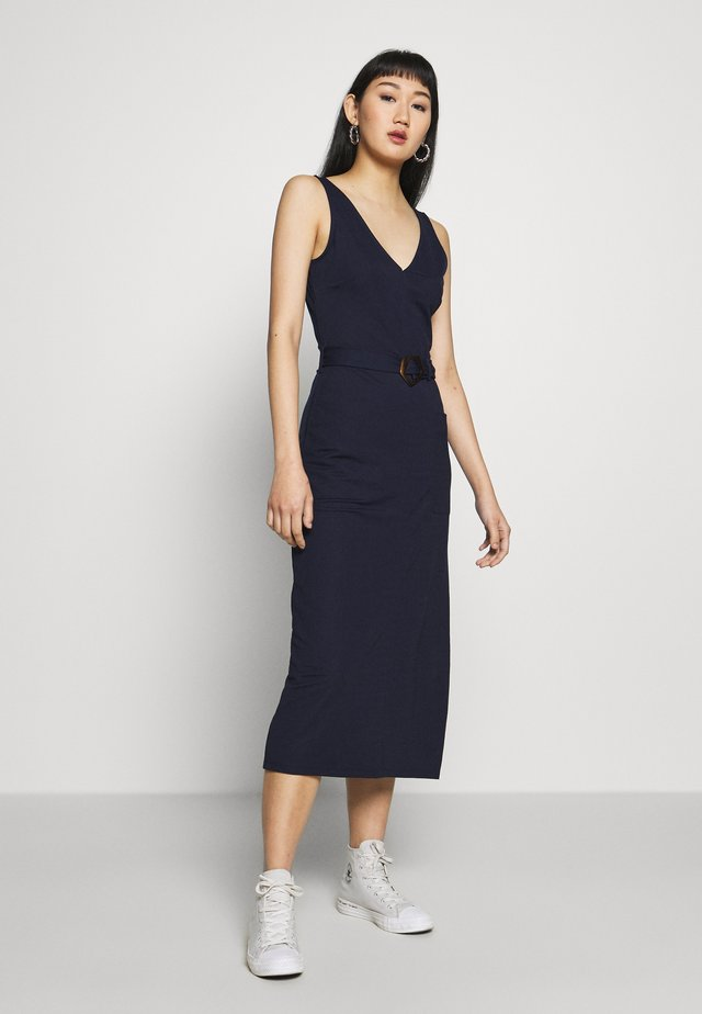 BUCKLE MIDI DRESS - Korte jurk - navy