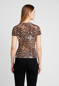Warehouse - LEOPARD LETTUCE EDGE TEE - T-shirt con stampa - brown - 2