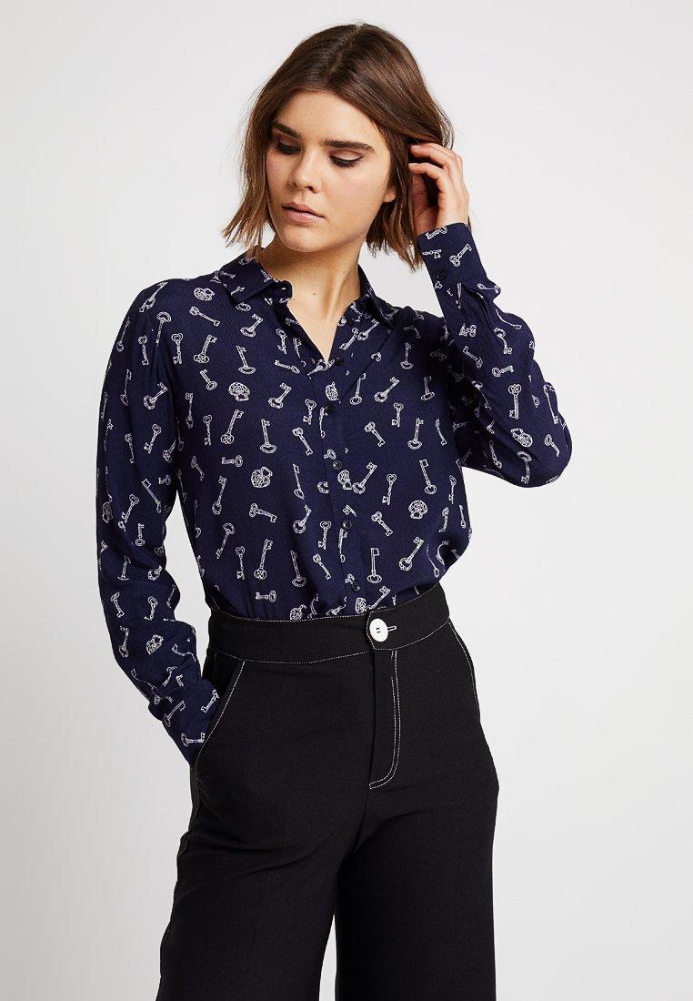 Warehouse - KEY PRINT  - Button-down blouse - navy