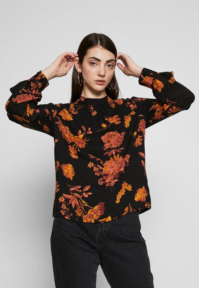 WALL FLOWER HIGH NECK - Bluzka - orange