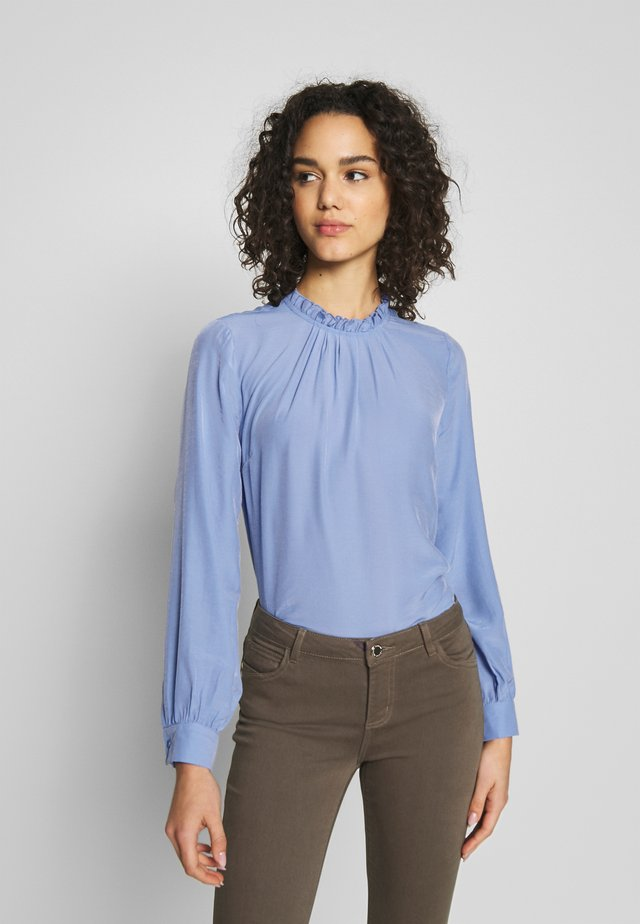 RUFFLE NECK  - Bluser - light blue
