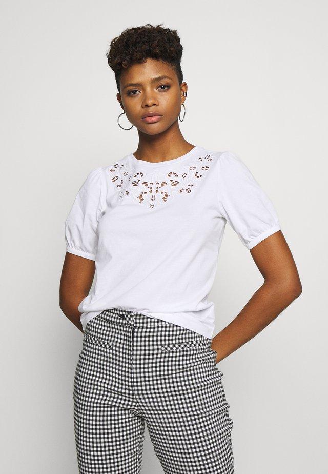 CUTWORK TEE - Bluse - white