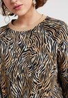 Warehouse - TIGER PRINT - Strickpullover - brown