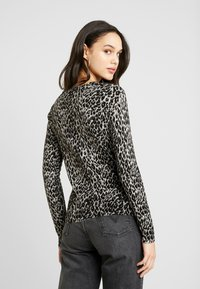 Warehouse - ANIMAL PRINT - Jumper - grey - 2