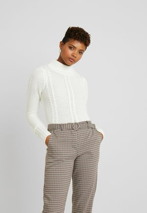 CABLE CROPPED JUMPER - Trui - ivory