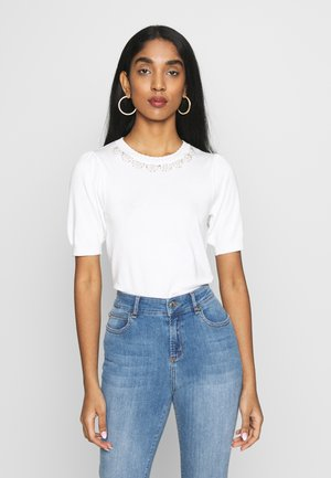 PEARL EMBELLISHED NECKLINE TEE - T-shirt z nadrukiem - ivory