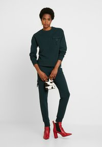 Warehouse - UTILITY - Sweatshirt - green - 1