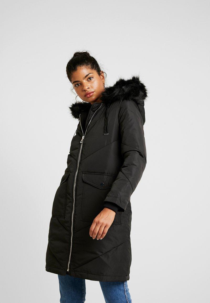 Warehouse - LONG CHEVRON PADDED COAT - Vinterjakke - black