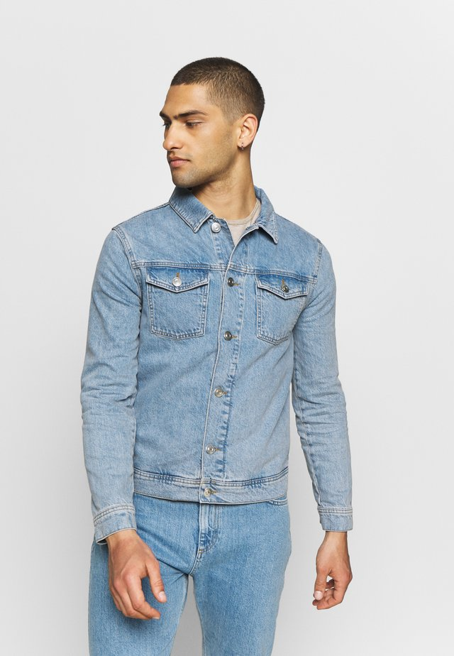 Denim jacket - light wash