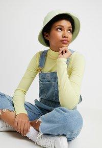 Warehouse - SHRIMPS GINGHAM BUCKET HAT - Hat - green - 1
