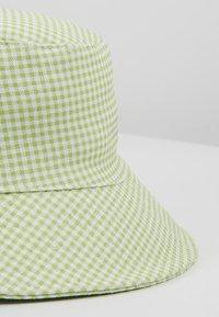 Warehouse - SHRIMPS GINGHAM BUCKET HAT - Hat - green - 4