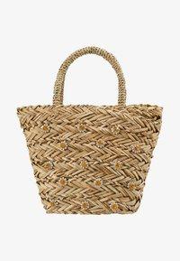Warehouse - SHRIMPS JEWELLED BUCKET BAG - Kabelka - natural - 5