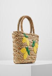 Warehouse - LEMONS BUCKET BAG - Handtas - beige - 3