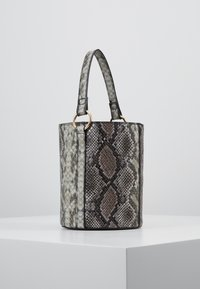 Warehouse - SNAKE BUCKET BAG - Kabelka - brown - 3
