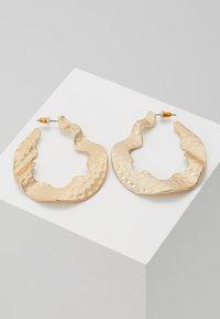 Warehouse - CRUSHED ORGANI - Earrings - gold-coloured - 0