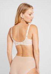 Wacoal - AWARENESS SEAMLESS UNDERWIRE BRA - Underwired bra - naturally nude - 2