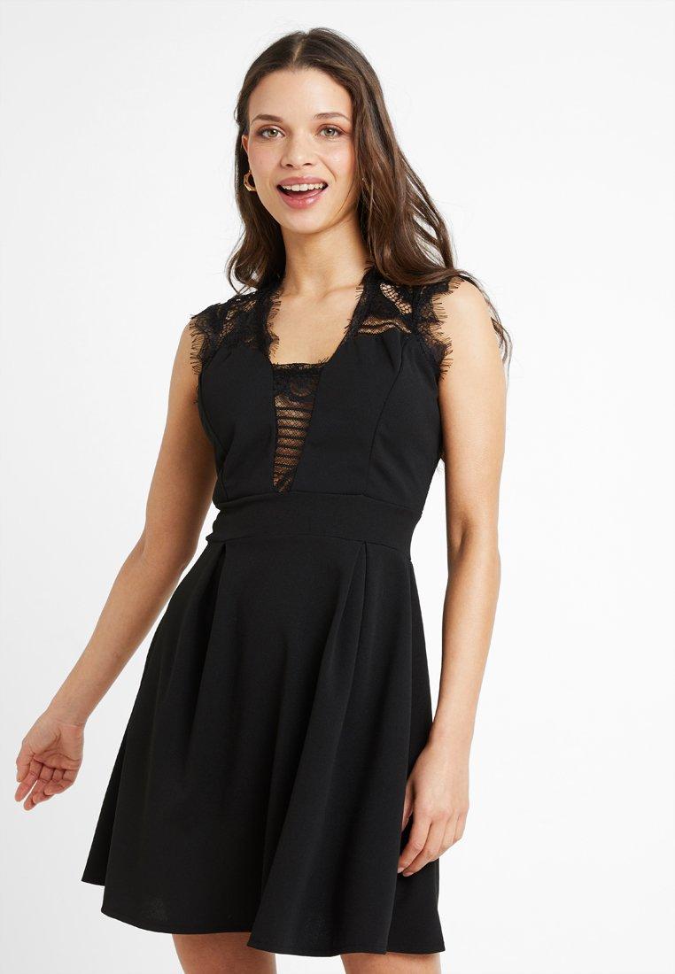 WAL G PETITE - EXCLUSIVE - Jersey dress - black