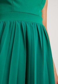 WAL G PETITE - V NECK BOTTOM MINI DRESS - Day dress - bright green - 5