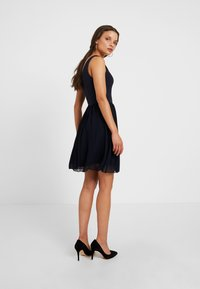 WAL G PETITE - V NECK BOTTOM MINI DRESS - Vestido informal - navy - 3