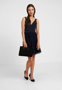 WAL G PETITE - V NECK BOTTOM MINI DRESS - Vestido informal - navy - 2