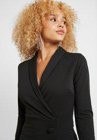 WAL G PETITE - WRAP PLUNGE DRESS - Shift dress - black - 4