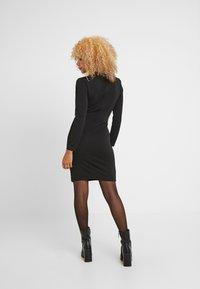 WAL G PETITE - WRAP PLUNGE DRESS - Vestido de tubo - black - 3