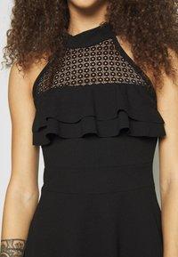 WAL G PETITE - DRESS - Žerzejové šaty - black - 5