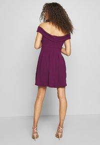 WAL G PETITE - BARDOT DRESS - Denní šaty - mulberry - 2