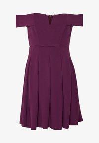 WAL G PETITE - BARDOT DRESS - Denní šaty - mulberry - 4