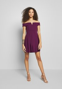 WAL G PETITE - BARDOT DRESS - Denní šaty - mulberry - 1
