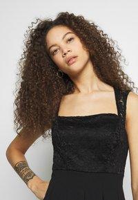 WAL G PETITE - SQUARE NECK SHOULDERS DRESS - Denní šaty - black - 3
