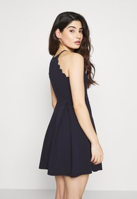 WAL G PETITE - HALTER NECK SCALOP DRESS - Denní šaty - navy - 2