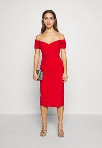 WAL G PETITE - BARDOT DRESS - Sukienka koktajlowa - red - 1
