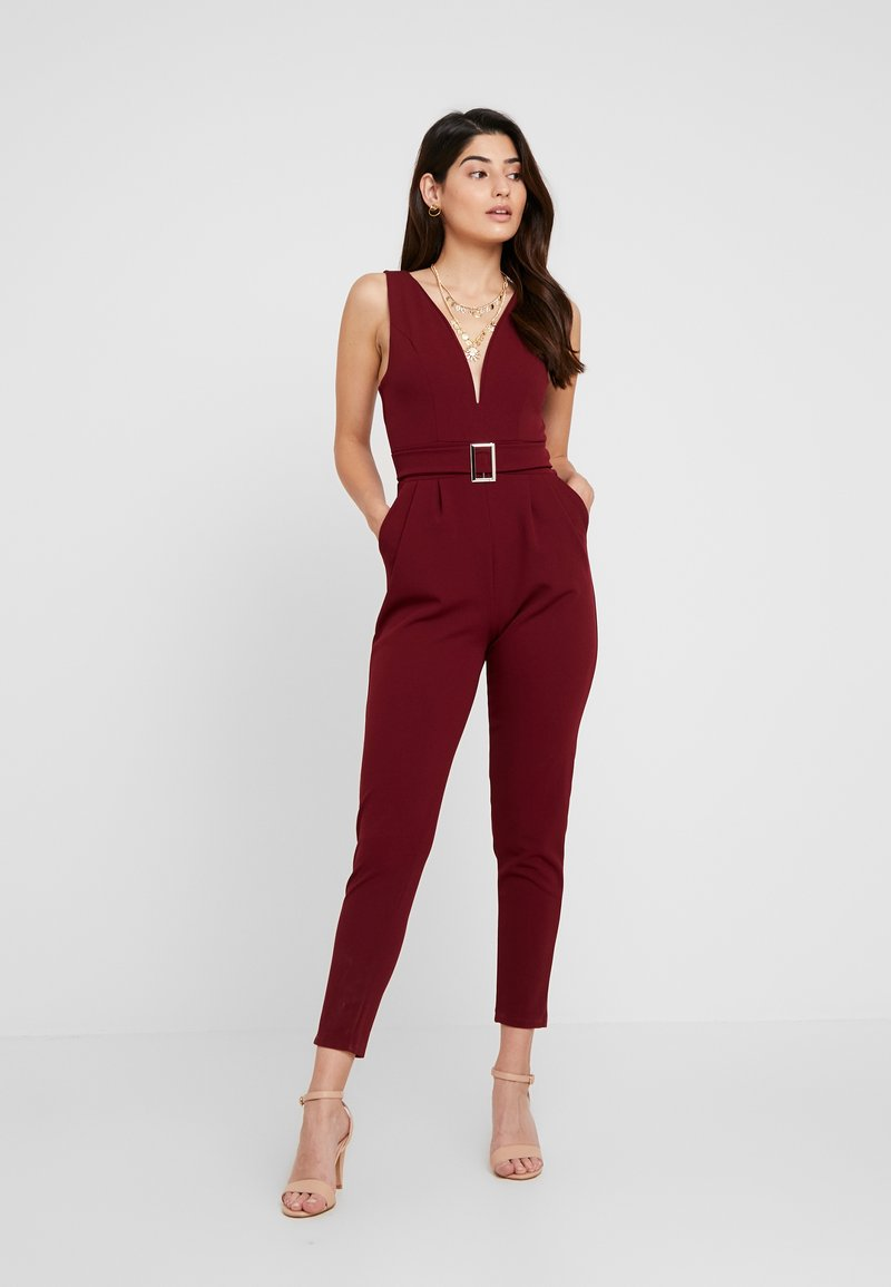 WAL G PETITE - BELTED PLUNGE - Jumpsuit - wine