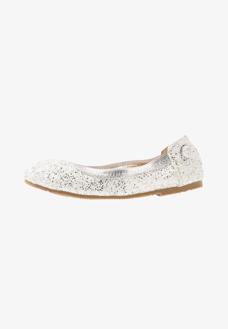 Walnut - CATIE FRECKLE BALLET - Ballet pumps - silver