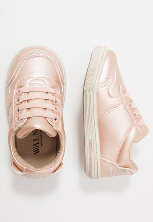 SAMMY - Sneakersy niskie - rose gold