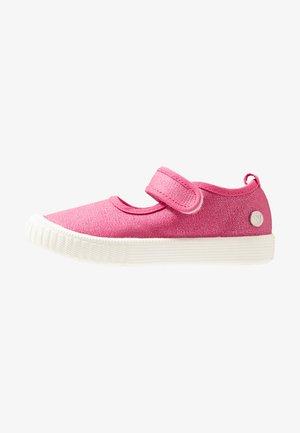 CLASSIC - Baleríny s páskem - pink