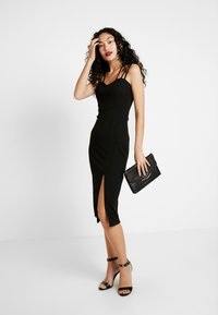 WAL G TALL - Pouzdrové šaty - black - 2