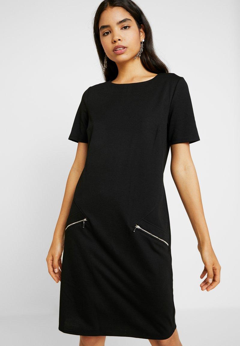 Wallis Tall - ZIP PONTE SHIFT DRESS - Trikoomekko - black