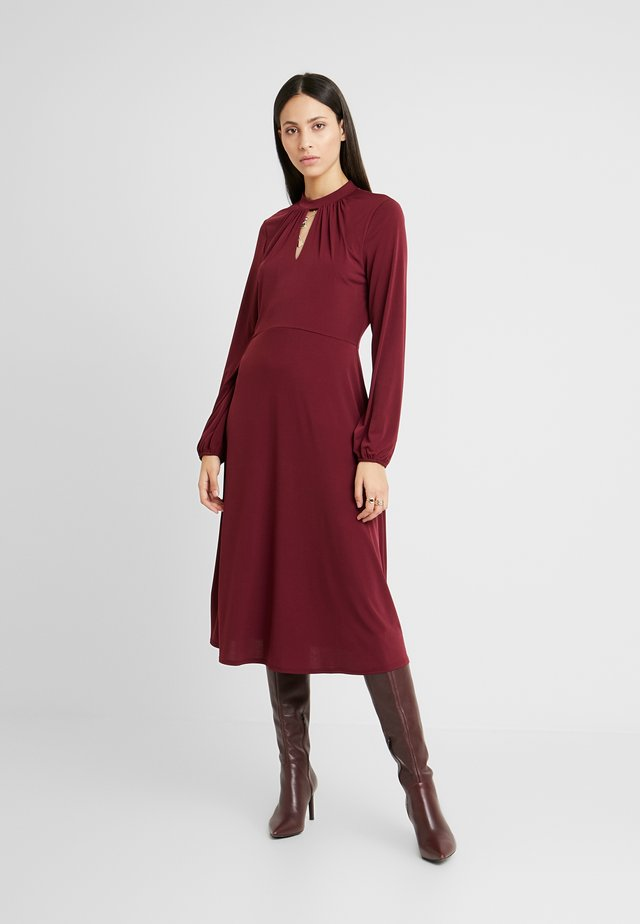 HIGH NECK KEYHOLE DRESS - Jerseykjole - purple