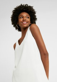 Wallis Tall - V NECK - Blouse - ivory - 3